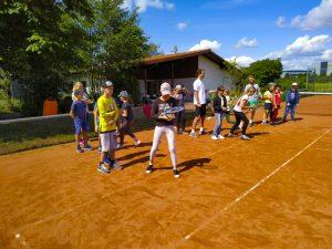 Tennis spielen-3